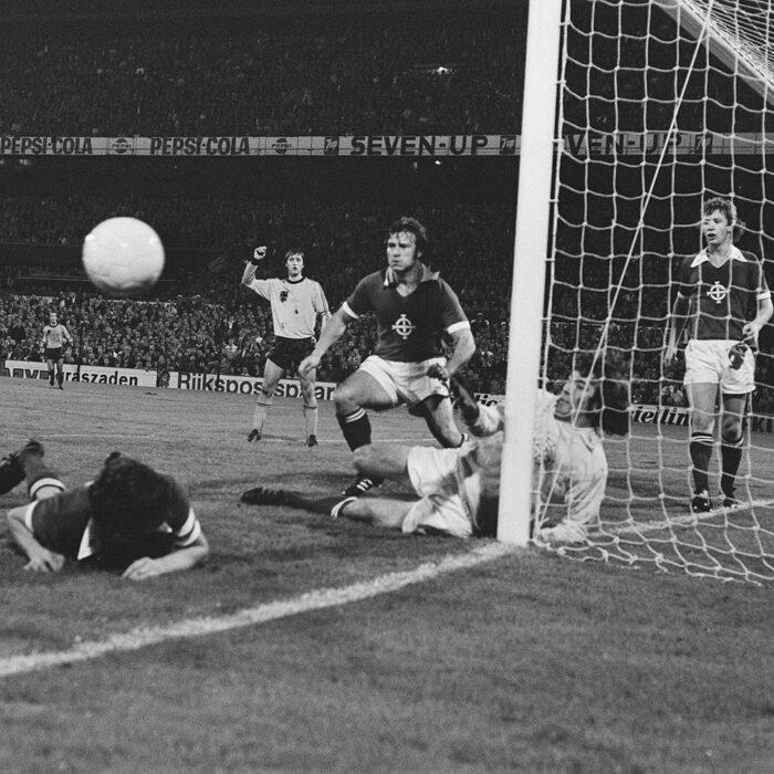 Irlanda del Nord 1976 Maglia Storica Calcio